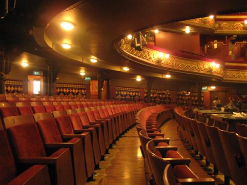 Grand seats